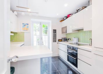 Compton Road, Islington, London N1. 2 bed flat