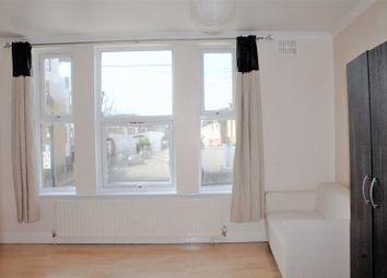 Thumbnail 2 bedroom flat to rent in Katherine Road, London
