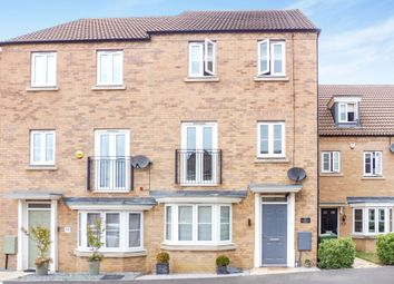Thumbnail 4 bed town house for sale in Kingfisher Drive, Leighton Buzzard