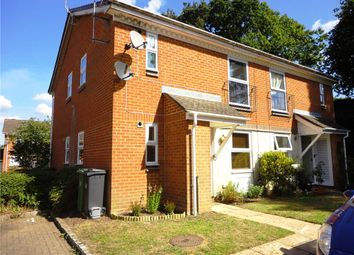 1 bed maisonette to rent in Broom Field, Lightwater, Surrey GU18