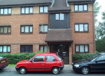Thumbnail Studio to rent in Lords Court, Edgware, Edgware, Middx