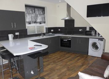 Thumbnail 5 bed detached house to rent in Greenhead Road, Huddersfield