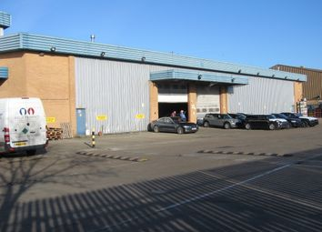 Thumbnail Warehouse to let in Farringdon Avenue, Romford
