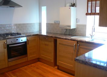 Thumbnail 2 bed flat to rent in Queens Rd, Marlow