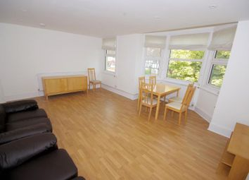 Thumbnail 3 bed flat to rent in Long Lane, Finchley