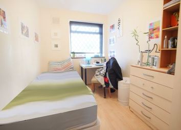 Thumbnail Room to rent in Wager Street 143, Mile End