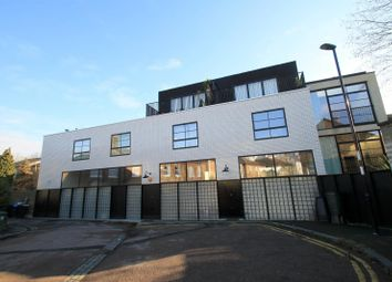 Thumbnail 2 bedroom flat to rent in Westbourne Drive, London
