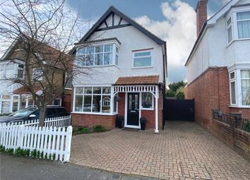 Fellows Road, Farnborough, Hampshire GU14. 3 bed detached house for sale