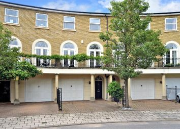 Savery Drive, Long Ditton, Surbiton KT6. 4 bed town house