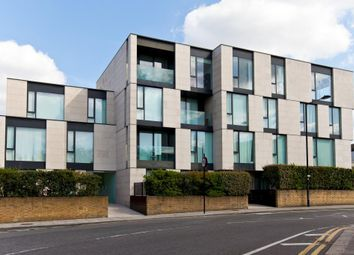 Thumbnail 1 bed flat to rent in Oval Road, Primrose Hill, London