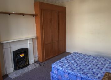 Thumbnail 1 bed flat to rent in Onslow Road, Richmond