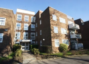 Thumbnail 3 bed flat for sale in Oakleigh Road North, Whetstone
