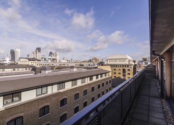 Thumbnail 2 bedroom flat to rent in Curlew Street, London