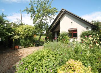 3 bed detached bungalow for sale in Station Road, Quainton, Aylesbury, Buckinghamshire HP22