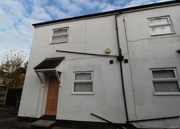 Thumbnail Studio to rent in Clarendon Road, Luton