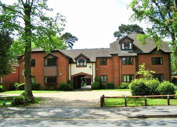 2 bed flat to rent in Branksomewood Road, Fleet GU51