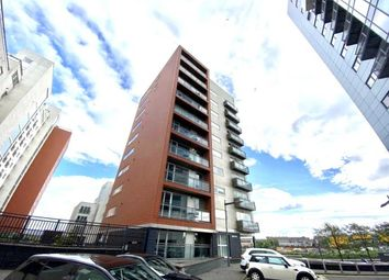 3 bed flat to rent in Meadowside Quay Walk, Glasgow G11