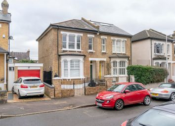 Landsdowne Road, South Woodford E18. 2 bed flat for sale