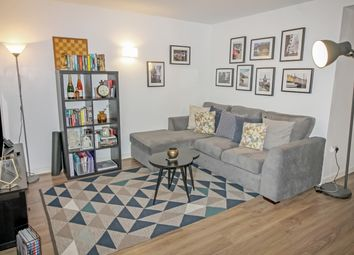 Thumbnail 2 bed flat to rent in Idaho Building, Deals Gateway, Deptford