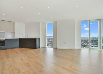 Pinnacle Apartments, Saffron Central Square, Croydon CR0. 2 bed property for sale