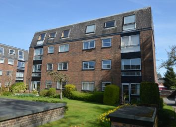 Thumbnail 2 bed flat to rent in Castle Gardens, Swan Street, Petersfield