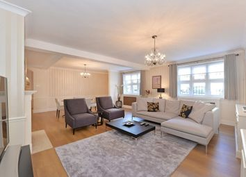 Thumbnail 3 bed property to rent in Warwick Close, Kensington