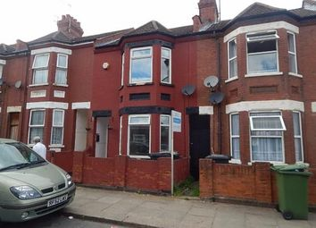 Thumbnail 3 bedroom terraced house to rent in Shaftesbury Road, Luton