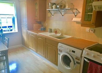 Thumbnail 1 bed flat to rent in High Street, Berkeley