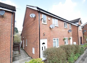 2 bed maisonette to rent in Davies Court, High Wycombe HP12