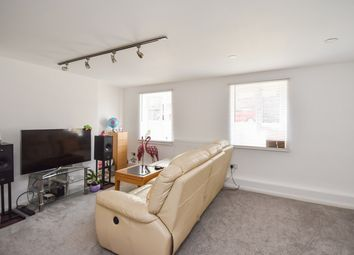 Thumbnail 2 bedroom flat for sale in Durham Hill, Dover