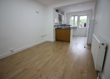 Thumbnail 1 bed flat to rent in Great North Way, Hendon