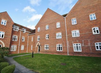 Thumbnail 2 bed flat for sale in Walter Bigg Way, Wallingford