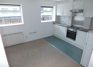 Thumbnail 2 bedroom flat to rent in Victoria Road, Farnborough