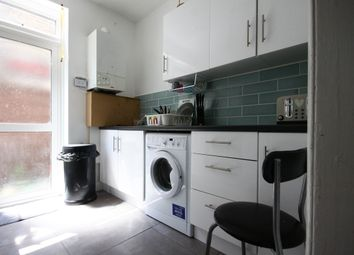Thumbnail 2 bed flat to rent in Clementina Rd, Lea Bridge E10,