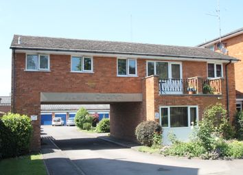 Thumbnail 1 bed flat to rent in Barkham Road, Wokingham