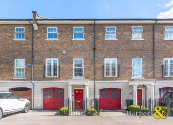 Thumbnail 3 bed town house for sale in Park Cliff Road, Greenhithe