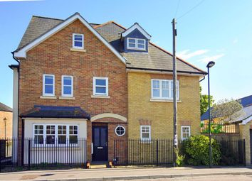 Thumbnail 5 bed property to rent in Oldfield Road, Hampton