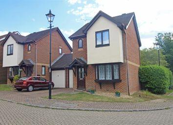 Lanyon Close, Horsham RH12. 2 bed link-detached house