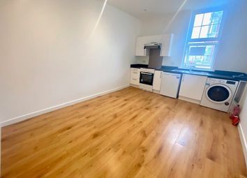 Thumbnail 1 bed flat to rent in Shirley High Street, Southampton