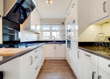 Thumbnail 3 bed flat to rent in Hartfield Crescent, Wimbledon