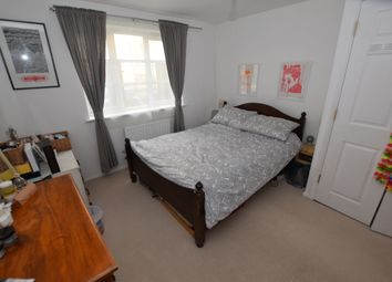 Thumbnail 1 bed flat for sale in Barge Lane, London
