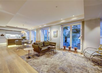 Thumbnail 3 bed flat for sale in Essex Street, Temple