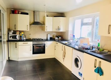 Thumbnail Room to rent in Lynton Road, London