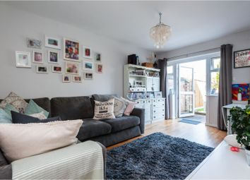 2 bed maisonette to rent in Sugden Road, Thames Ditton KT7
