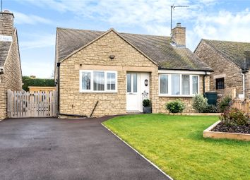 Manor Park, Claydon, Banbury, Oxfordshire OX17. 2 bed detached bungalow for sale