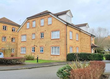 2 bed flat to rent in Aspen Vale, Whyteleafe CR3