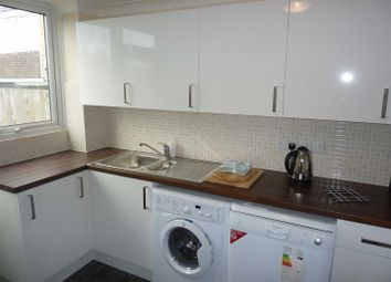 Thumbnail Property to rent in Crawley Drive, Grovehill, Hemel Hempstead