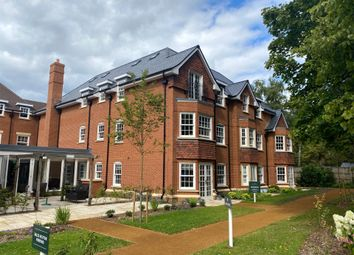 Fleur De Lis, Dukes Ride, Crowthorne, Berkshire RG45. 1 bed flat