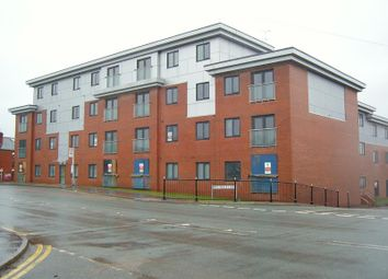2 bed flat to rent in Flat 5, 1 Rochdale Lane, Lancashire, Heywood, Lancashire OL10