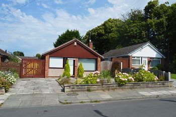 Thumbnail 2 bed detached bungalow to rent in Sunningdale Drive, Bromborough, Wirral